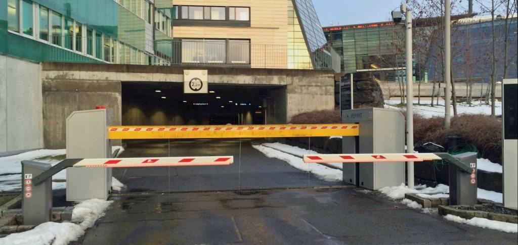 Telenor Fornebu Pilomat barriere og Magnetic bommer