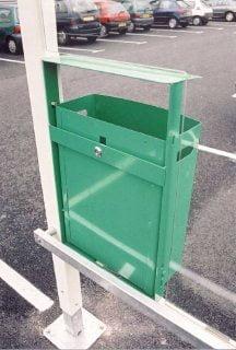 Avfallsbeholder 44L, Bak