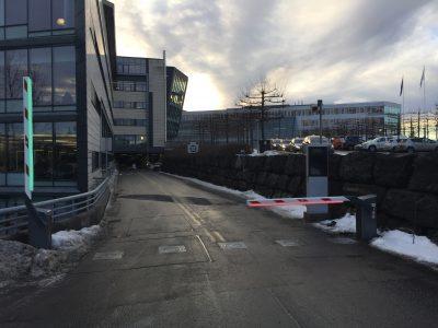 Telenor Fornebu automatiske bommer og Pilomat pullerter